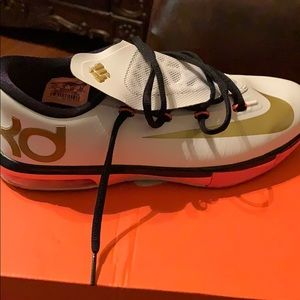 huge discount a70c8 45e8d Women s Nike Flyknit Lunar 1+